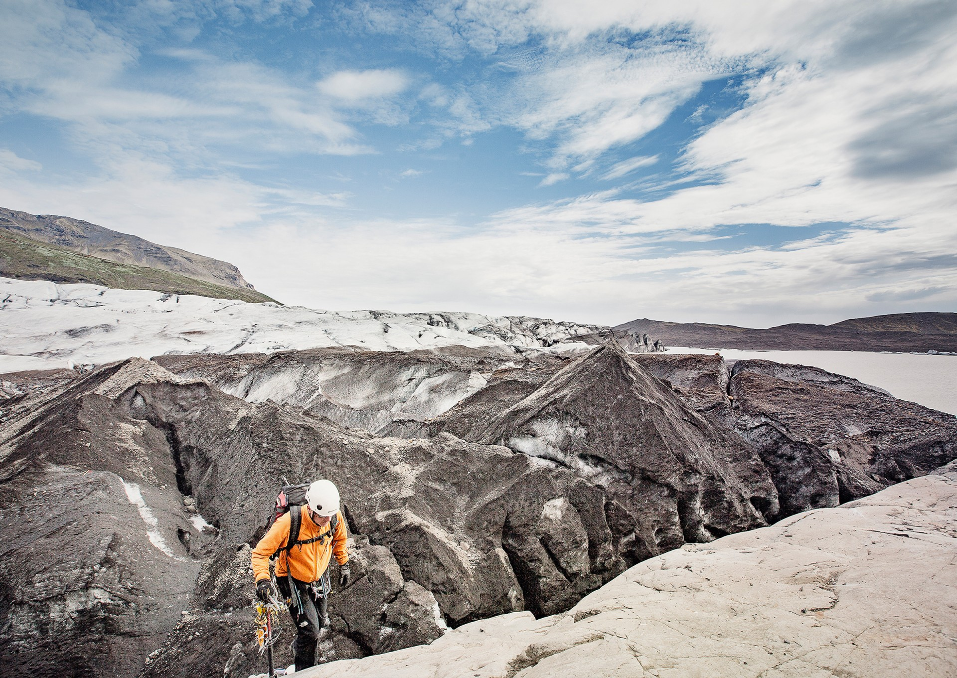 MIKA MIKA PHOTOGRAPHY ACTION & TRAVEL – On the Glacier / Iceland