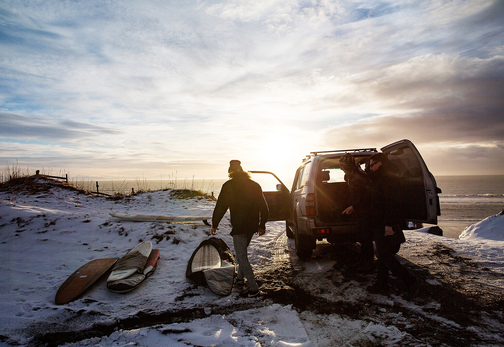 MIKA MIKA PHOTOGRAPHY SPORTS & TRAVEL – Arctic Surfers